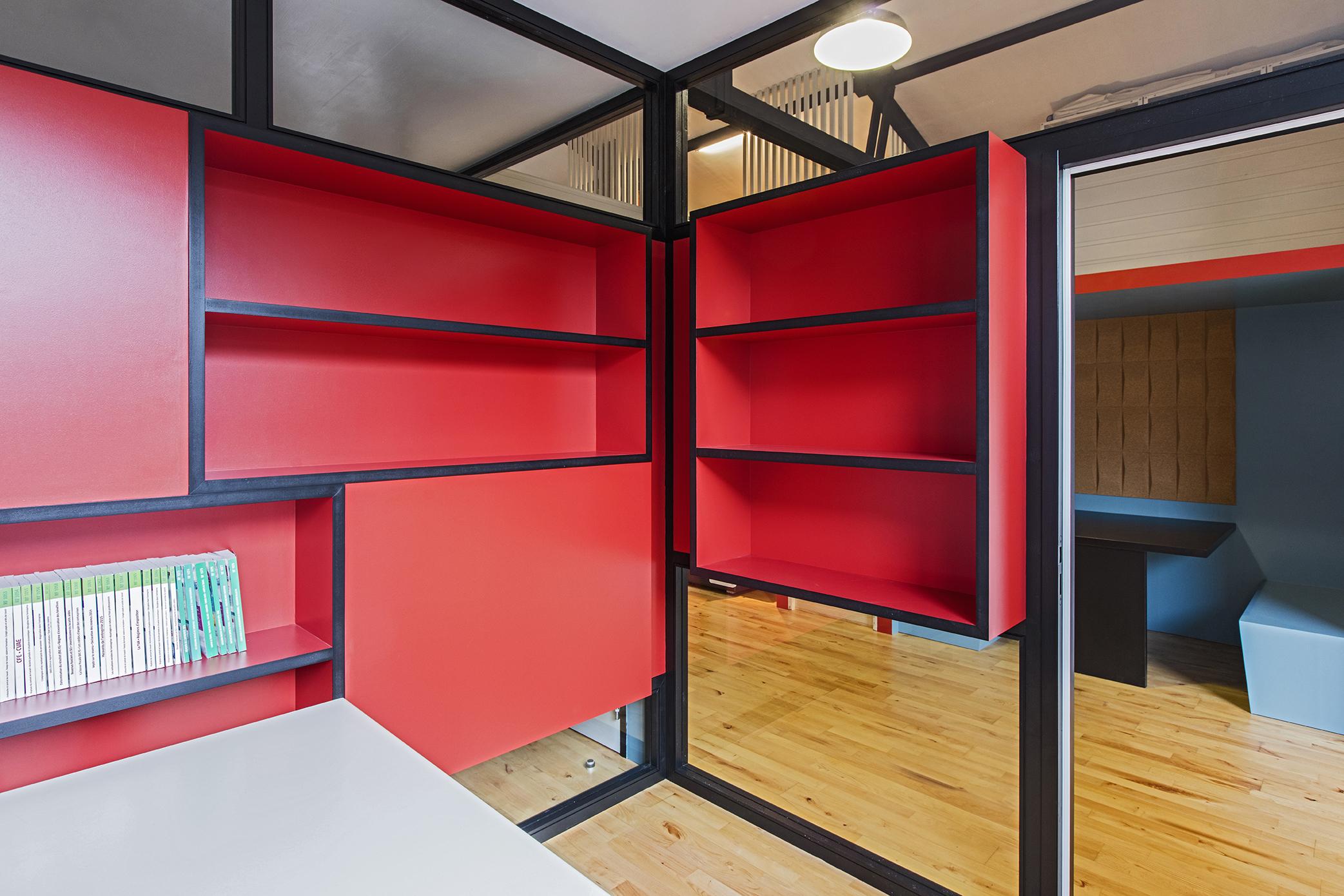 LalaArchitectes-rénovation-bureaux-rangements-étagères