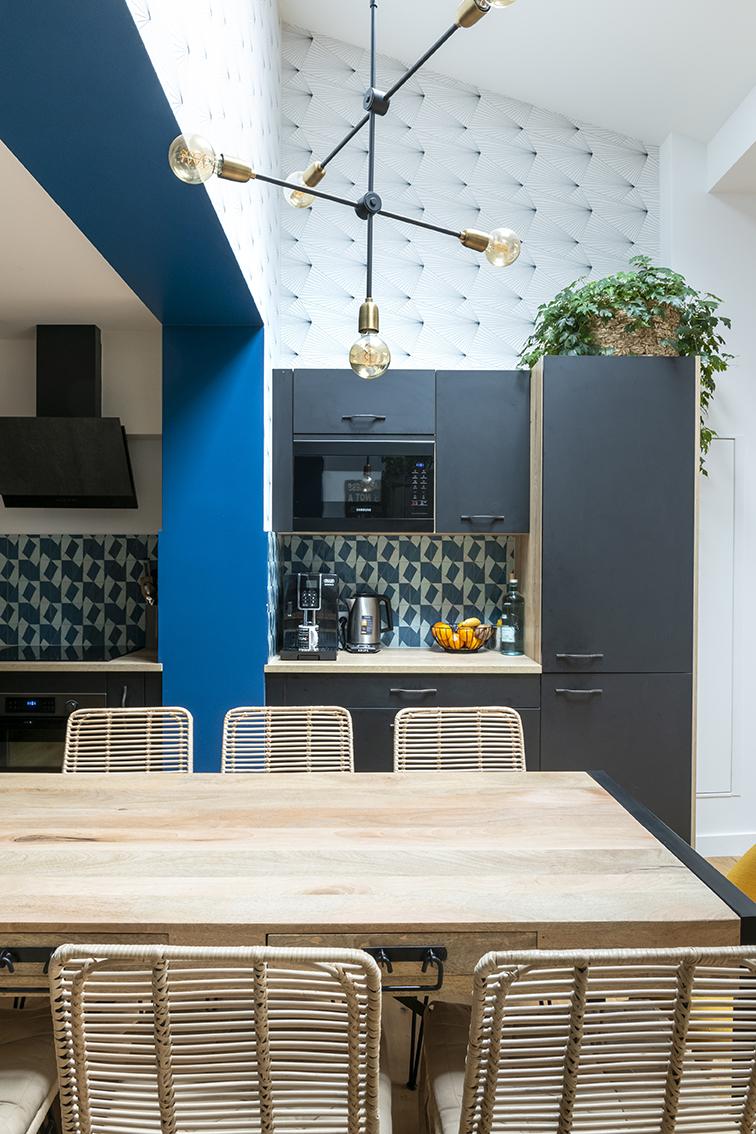 Rénovation_Echoppe_Lala-architectes_Cuisine_Coin-repas_Crédence zellige