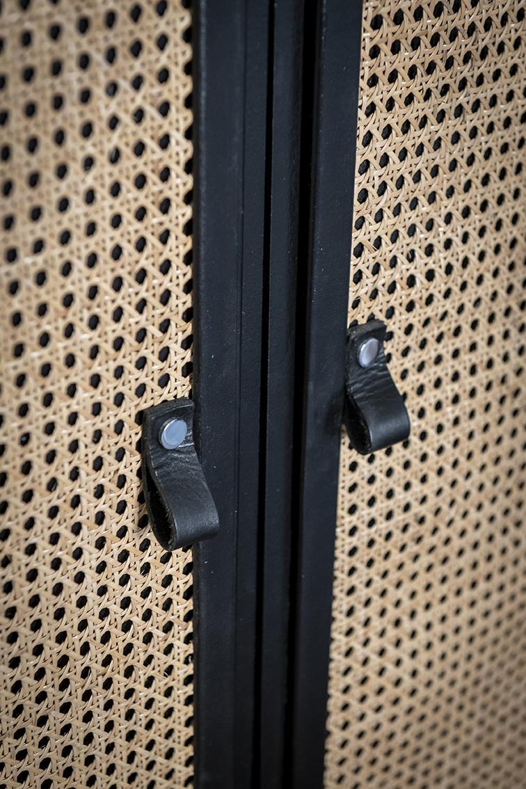 Rénovation_Echoppe_Lala-architectes_Bordeaux_chambre_poignées_cuir_noir_dressing_cannage