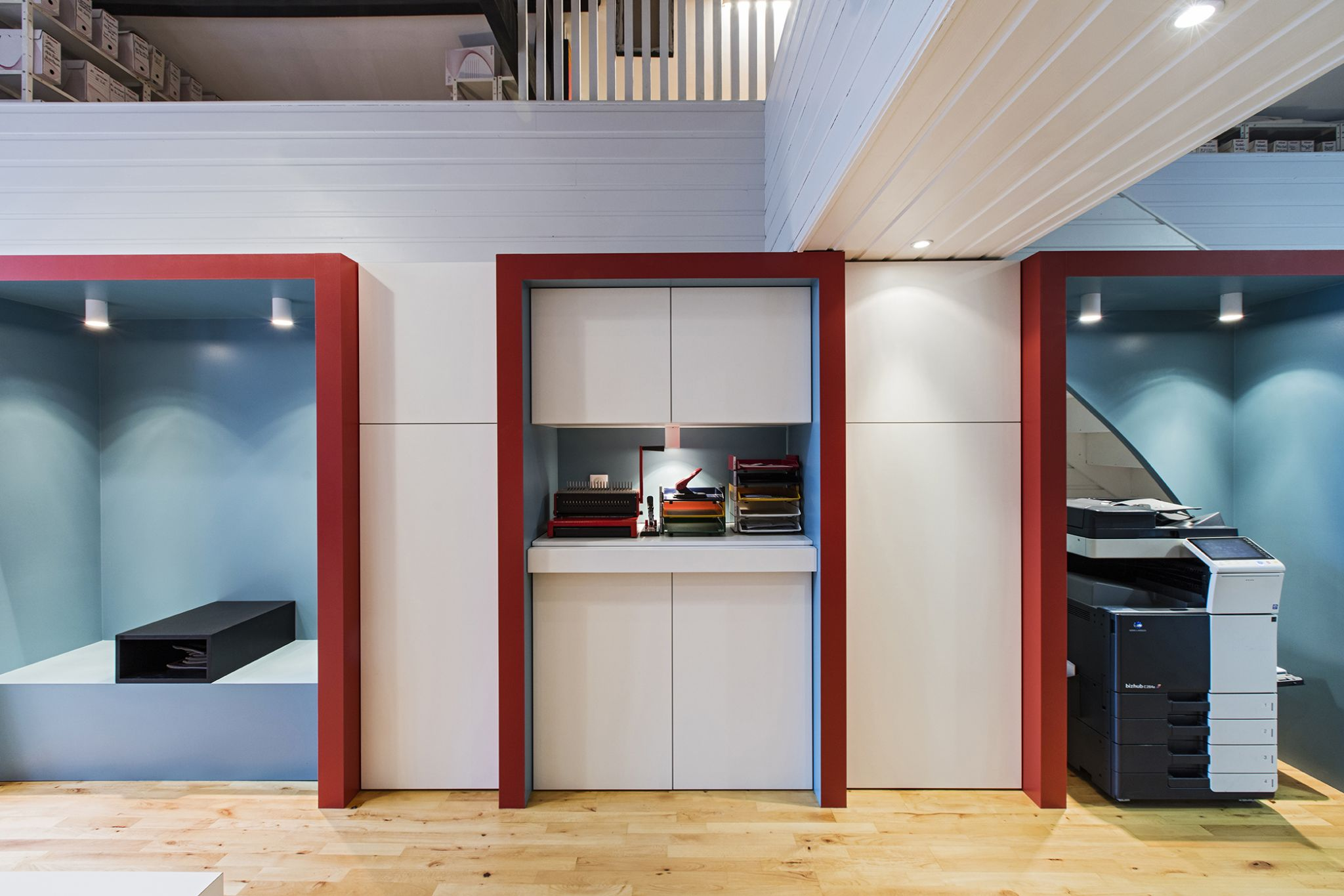 LalaArchitectes-rénovation bureaux niches de couleur