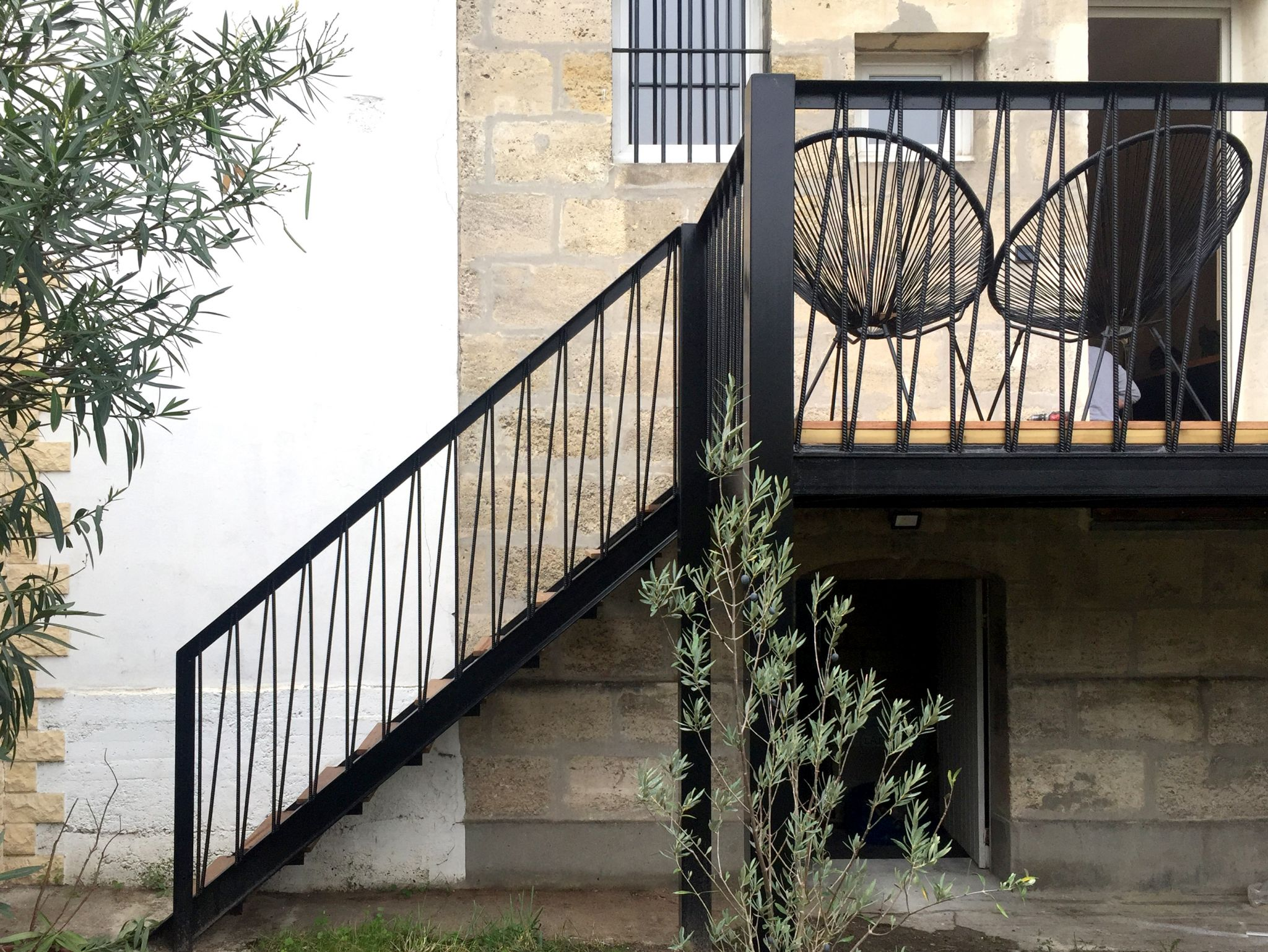 Lalaarchitectes_Bordeaux_rénovation_rayures_fer_terrasse